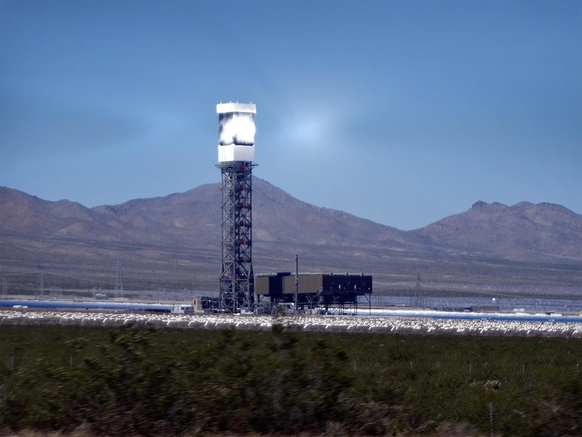 Ivanpah Solar Thermal Tower, CA